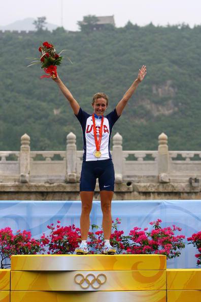 图文-公路自行车女子个人计时赛 张开怀抱拥抱胜利