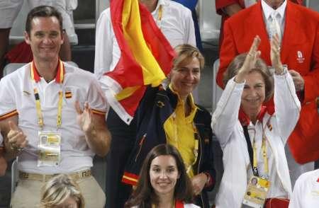 图文-网球男单纳达尔夺冠 西班牙王妃为纳达尔鼓掌
