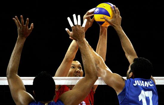 图文-奥运会16日男排比赛赛况 网上争夺激烈