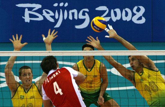 图文-奥运会16日男排比赛赛况 一打四