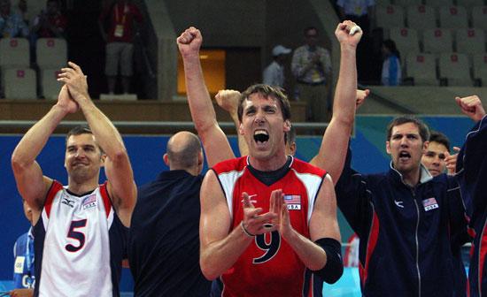 图文-男排1/4决赛赛况 美国队员庆祝胜利