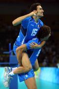 图文-奥运会男子排球1/4决赛赛况 疯狂的庆祝