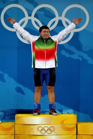 图文-男子举重105公斤级决赛 阿拉纳乌奥运夺冠