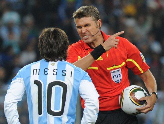 意大利乌龙裁判退出意甲坚称与阿根廷越位球无关