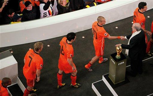荷兰负西班牙更输给克鲁伊夫无冕三亚王说白了差二字