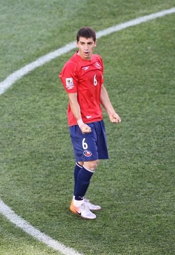 图文-[小组赛]智利1-0洪都拉斯卡尔莫纳观望