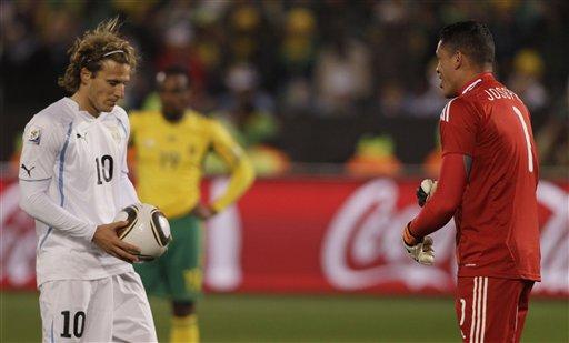 图文-[小组赛]南非0-3乌拉圭替补门将挺有心眼