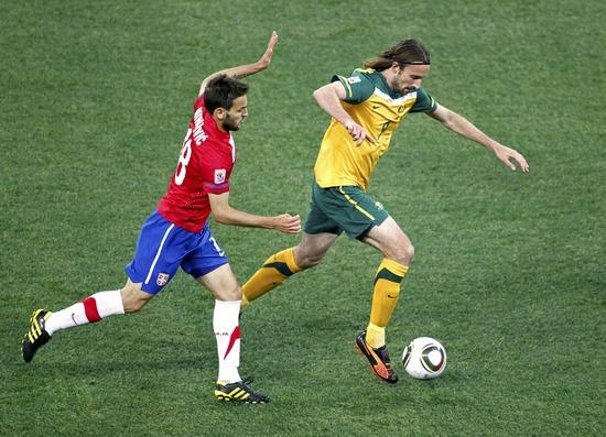 图文-[小组赛]澳大利亚VS塞尔维亚肯尼迪带球组织进攻