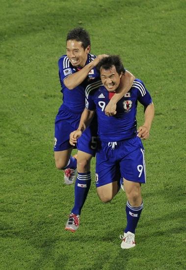 图文-[小组赛]丹麦1-3日本开心的像两个小孩子