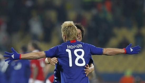 图文-[小组赛]丹麦1-3日本本田圭佑势不可挡