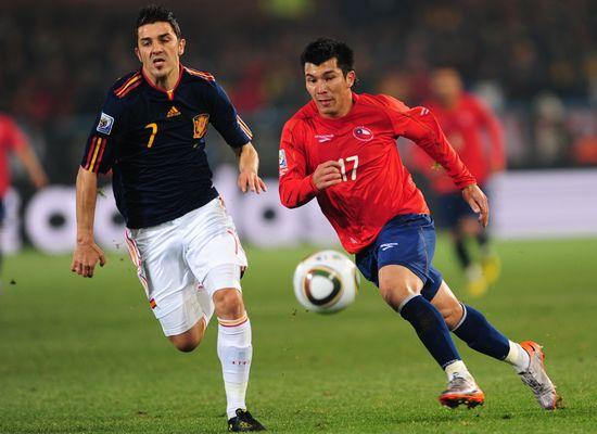 图文-[小组赛]西班牙VS智利 比利亚加速接球_图