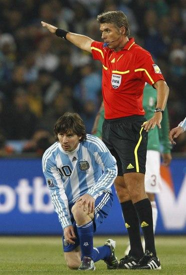 图文-[1/8决赛]阿根廷VS墨西哥没犯规比赛继续