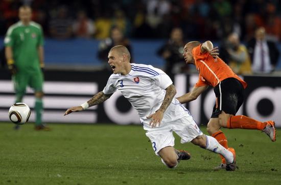 图文-[1/8决赛]荷兰2-1斯洛伐克斯科特尔倒地