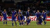日本队员跪地祈祷