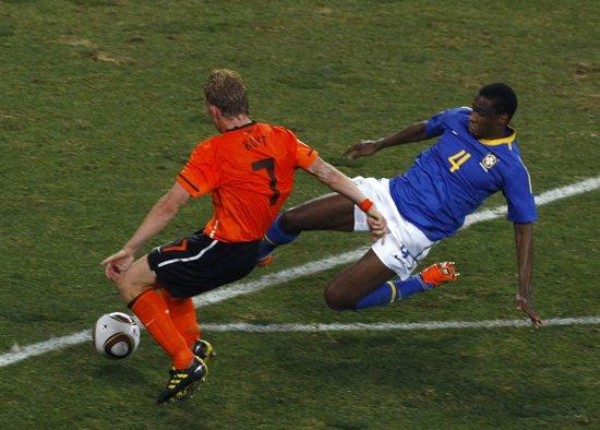 图文-[1/4决赛]荷兰2-1巴西胡安盯防库伊特