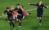 比利亚庆祝进球