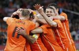 荷兰人抱成一团