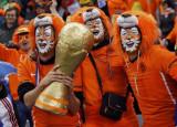 荷兰球迷期待捧杯