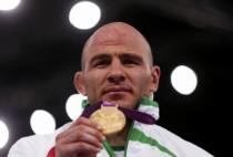 自由式摔跤男子120kg级决赛