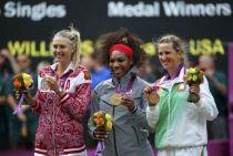 网球女单决赛小威夺冠