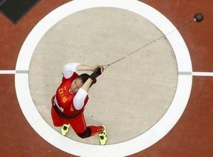 张文秀轻松晋级链球决赛杨雁盛撑杆跳预赛出局
