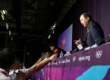 中国代表团首次新闻发布会