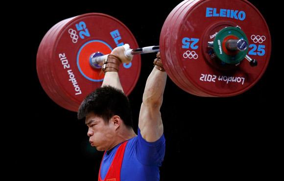林清峰夺男子举重69公斤级金牌