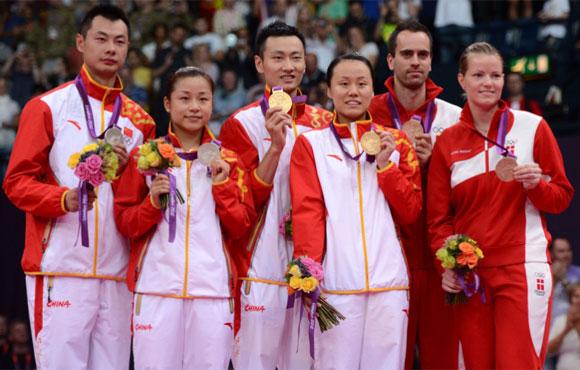 中国包揽羽毛球混双金银牌