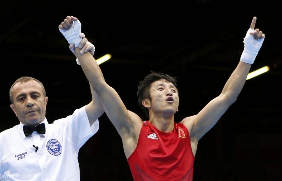 男子拳击49kg级邹市明晋级4强