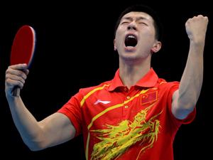 中国男团获得金牌成功卫冕