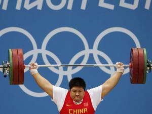 举重女子+75kg级周璐璐破世界纪录夺冠