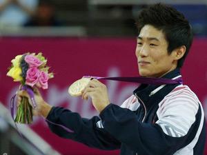 奥运体操男子跳马 朴鹤善夺金