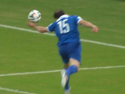 希腊禁区手球裁判未吹