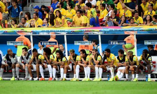 催乳手法视频丑陋巴西踢碎了球迷的心!金发美女哭成泪人(多图)_2014世界杯_fb詐騙手法