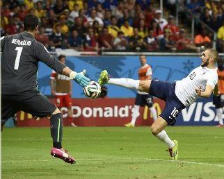 世界杯-吉鲁本泽马传射建功法国5-2瑞士出线在望