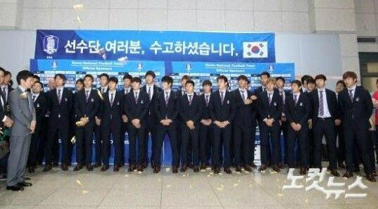 韩国球员被扔麦芽糖