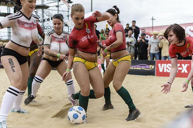 裸体世界杯德国1-7加纳