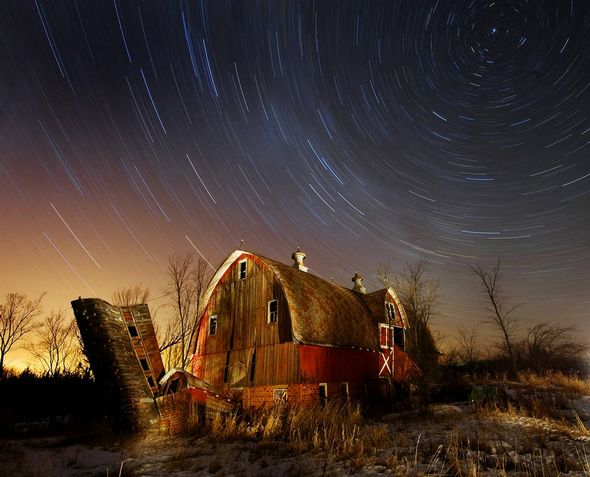 2009壮观天文照片:超大黑洞喷射各种物质等28张 201011113020