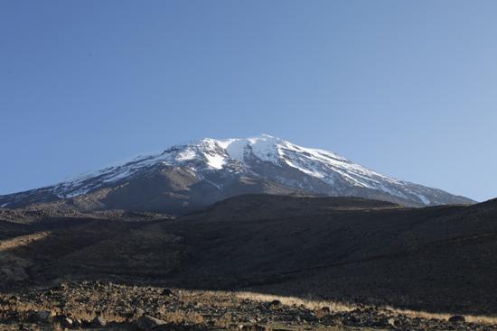 亚拉腊山位于土耳其东部