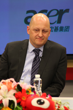 Acer(宏�)全球副总裁、中国区营运总部的总经理艾仁思