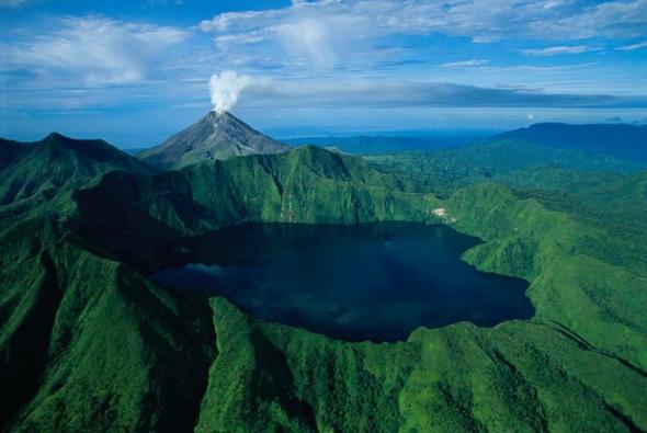 巴布亚新几内亚火山