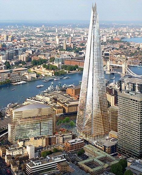 夏德伦敦桥将建72层,内有大量办公室、住宅和一家五星级香格里拉酒店,顶部将建有一个观景廊。