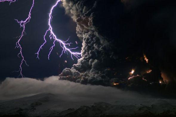 冰岛火山闪电