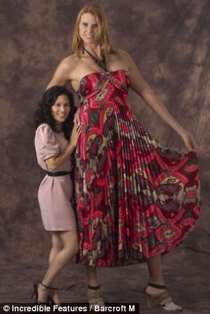 图5:伊芙透露她们家族的女人都很高