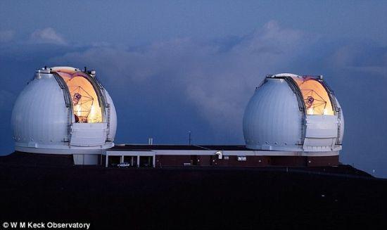 这就是口径达10米的夏威夷凯克望远镜,正是得益于它强大的观测能力,天文学家们才得以发现赛吉尔-1星系的存在