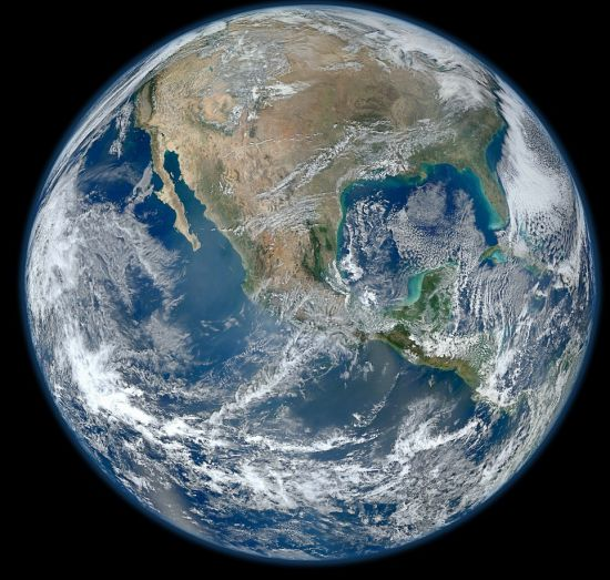 地球侧视图手绘