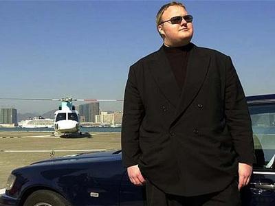 """""""盗版之王""""金・达康拥有大量豪车,甚至有一架直升机"""