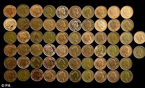 如果从50英尺(约合15米)的高度下落,一便士硬币的下落速度只有每小时25英里(约合每小时40公里)