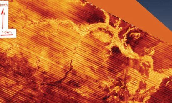 一幅扫描图,揭示了多格滩的一条河流