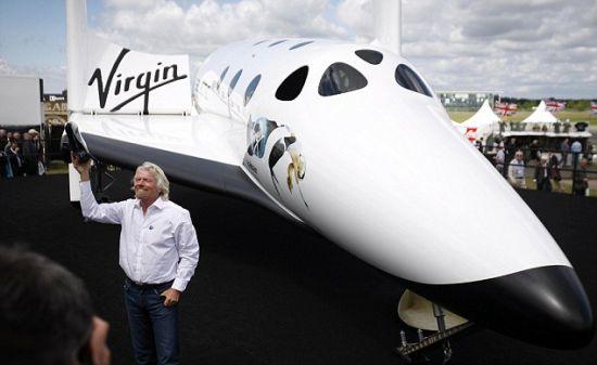 2013年底,布兰森与儿子萨姆和女儿霍丽将成为维珍银河的第一批游客,进入距地面60英里(约合96公里)的太空